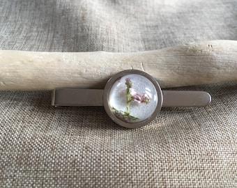 Welsh heather tie bar clip
