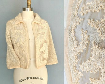 royal icing / 1950s cream collared sweater with sheer cutout detail / medium