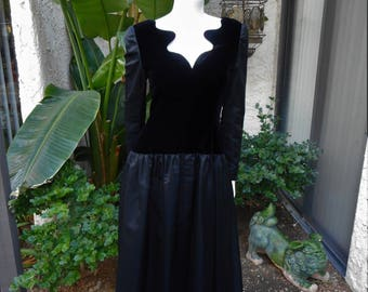 Vintage 1980's Tarquin Ebker Black Evening Gown - Size