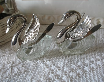 Salt & pepper shakers Swan, Crystal and silver plated. Wedding table decoration.