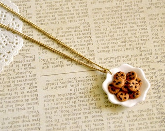 Handmade miniature polymer clay cookie plate necklace - miniature food jewelry, cookie necklace, cookies jewelry