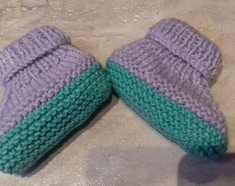 slippers hand knitted two-tone purple and green 8/0 months
