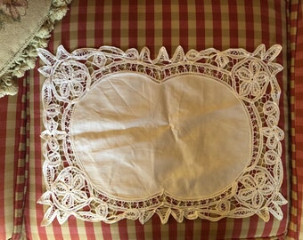 Country Chic Battenburg lace set of four placemats