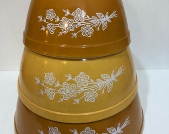 Set of Three Butterfly Gold Pyrex Bowls