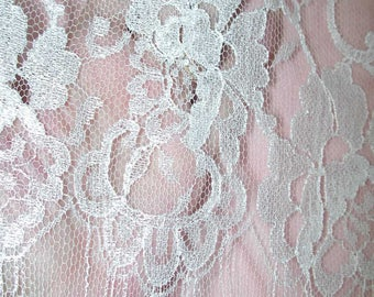 "No. 300 Bright White French Chantilly Lace; 23"" x 6 Yards; Single Scallop, Cut Top"