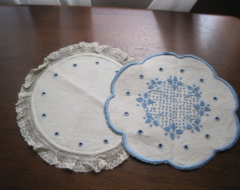 Blue & White Dollies Vintage Embroidery Lace Scalloped Edges
