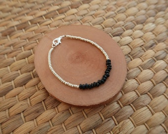Dainty thin bracelet, black and silver glass seed beads