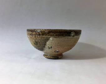 Wood fired matcha chawan, Japanese teabowl, woodfired with natural ash glazes and granite inclusions. Pottery, ceramic, tea ceremony.