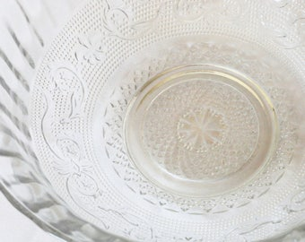 KIG Indonesia Trellis Clear Glass Serving Bowl