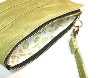 Waxed Canvas Zipper Bag, Cosmetic Pouch, Travel Bag, Beeswax Canvas Fabric in Spring Green