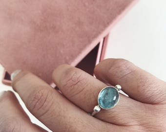 Aquamarine ring,sterling silver ring,natural aquamarine ring,blue gemstone ring,birthstone ring,birthday present,oval ring,pisces ring
