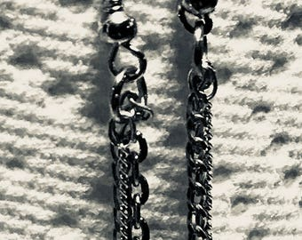chain dangles