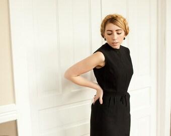 1960s Cute Sleeveless Classic Little Black Dress S