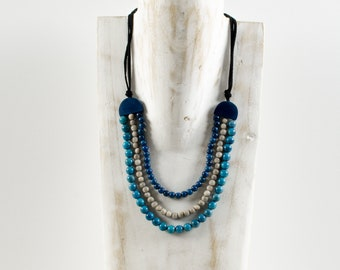 Necklace SHAIMA blue / sapphire blue / gray - jewelry / Tagua / vegetable ivory / natural / ethical / fair / woman / Ecuador