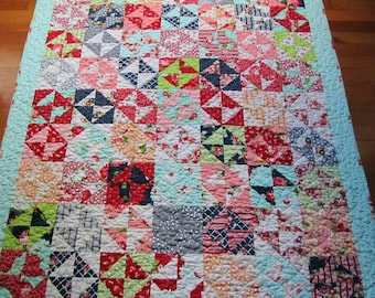 The Good Life Quilt - Bonnie and Camille - Large Lap or Throw