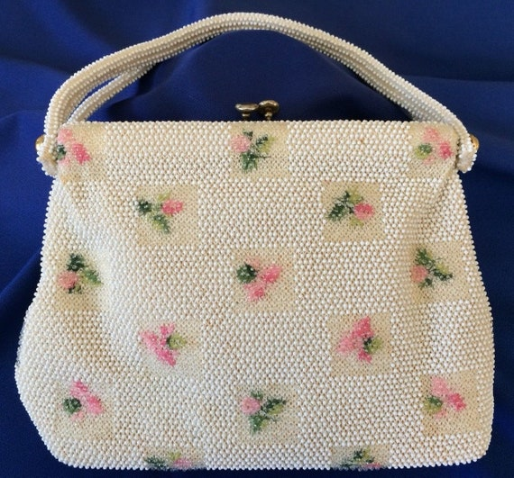 Beautiful White Beaded Bag by Lemured