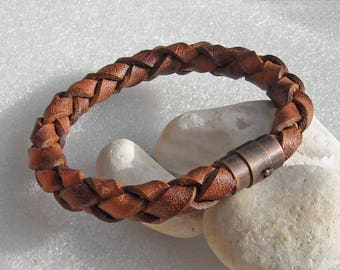 Brown leather bracelet, 10mm, with antique copper colored magnetic clasp. You choose the braclet size from 7.5 to 9 inches around. #S-45. 8""