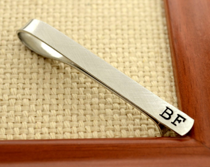 Personalized Tie Clip, Tie Bar - Mens Custom Hand Stamped Tie Bar Groomsmen Best Man Gift Fathers Day Gift