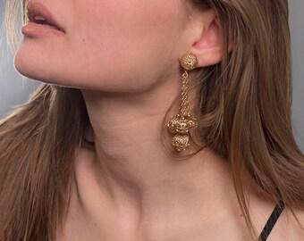 Vintage Dangle Ball Earrings / Vintage 60s Earrings / Vintage Monet Earrings / Costume Jewelry / Clip On Earrings