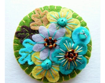 Japanese Art Inspired Handmade Mini Felt Brooch - Olive