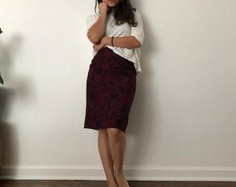 1980s vintage skirt // womens pencil skirt // floral skirt // floral pattern // vintage size 6 // Lavantino brand skirt