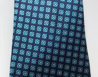 Tailoring tie