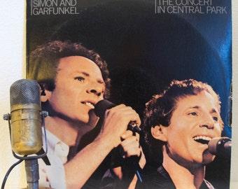 "Simon & Garfunkel Vinyl Record Live 2LP Album 1960s Pop Folk,""The Concert in Central Park"" (Original 1982 WB,booklet,""Mrs. Robinson"")"