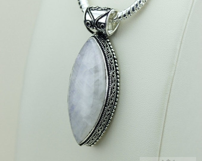 Moonstone Vintage Filigree Setting 925 S0LID Sterling Silver Pendant + 4mm Snake Chain & FREE Shipping p3385