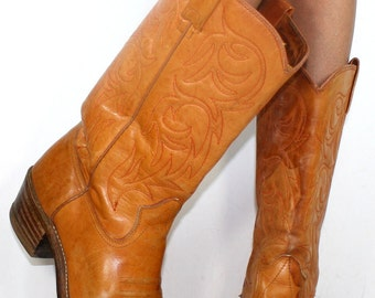 Vintage light brown low heel cowboy knee high tall Leather fashion boots western womens 10 B M