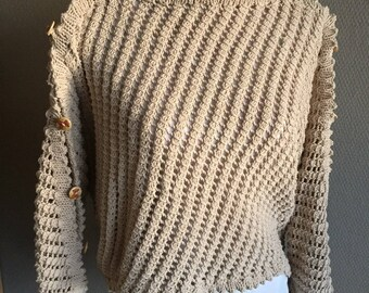 Beautiful knitted sweater in beige cotton