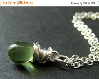 MOTHERS DAY SALE Green Teardrop Necklace in Silver. Bridesmaid Necklace. Wire Wrapped Teardrop Necklace. Handmade Jewelry.