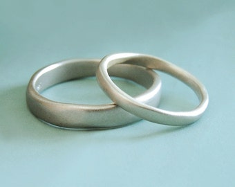 River Wedding Band in 14k White Gold, Modern Organic Wedding Ring, Choose a Width and Finish, Free Engraving