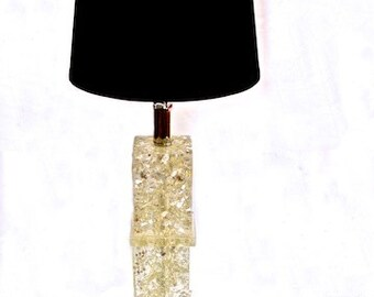 Mid Century Modern Lucite Table Lamp