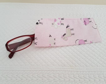 Cat, rabbit and chicken glasses case