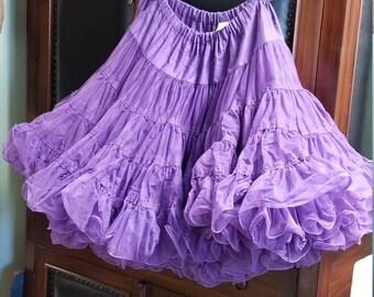 Crinolin in plum purple