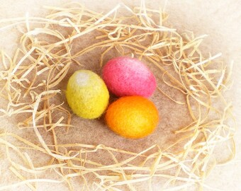 Œufs de Pâques en laine feutrée, cadeau de Pâques, trois œufs pour décorer, œufs de Pâques jaune rose orange, décoration printemps