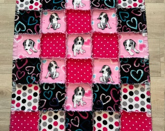 Flannel quilt, Beagle quilt, Flannel blanket,Flannel fabric, Hearts Polka Dot quilt, Beagle lover, Dog crate, Baby Toddler, baby shower gift