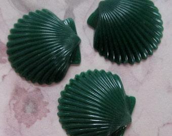 15 pcs. vintage green seashell cabochons 19x18mm - r143
