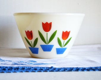 "Vintage Anchor Hocking Fire King Tulip Bowl   Medium 7.5"" Bowl   Milk Glass Bowl   Nesting Bowl   Tulips    Farmhouse Style  "
