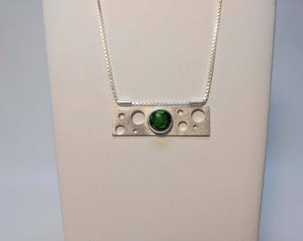 Suspend Pendant: Nephrite Jade