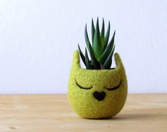 Cat head planter / Small succulent pot / Olive cat / Felt succulent planter / cat lover gift - Choose your color!