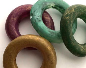 4 Vintage Lucite Organic Round Hoop Bead Color Mix, 30 mm, Open Circle Beads with Hole, Marbled Green Gold Maroon Turquoise, Bead Destash
