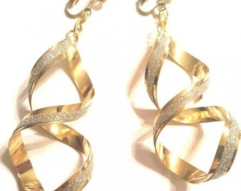"2.5"" Gold Plated Sparkling Figure 8 Clip-on Dangle"