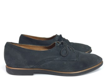 Size US 8.5 - Suede Leather Oxfords - Vintage Womens Shoes - G.H. Bass