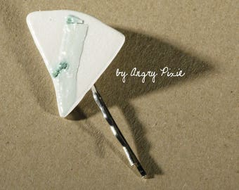 Bar pin in green and white ceramic