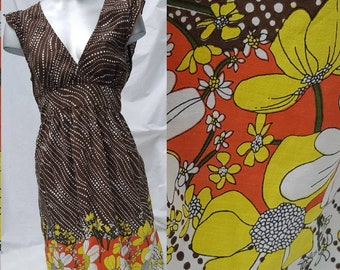 Brown little summer dress/floral dress/petite vintage dress