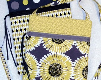 Runaround Bag Pattern by Joan Hawley of Lazy Girl Designs