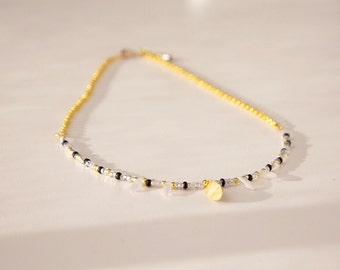 SMART / White and golden beaded necklace