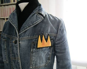 Crown Basquiat wearable tiny art brooch mother's day yellow pin crown gift pop art graffiti her him gift birthday anniversary graduation