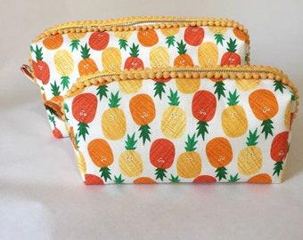 Pineapple Zip Bag
